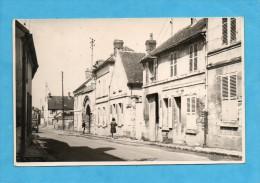Carte Photo De Bury. - Rue Duvivier, L'entrée De La Grange Aux Dîmes. - Otros Municipios