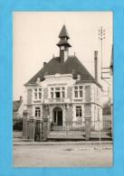 Carte Photo De Bury. - La Mairie. - A Noter La Clôture Disparue Aujourd'hui. - Otros Municipios