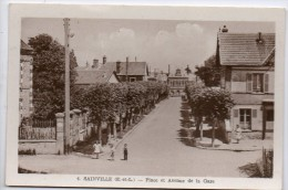 28 - Sainville - Place Et Avenue De La Gare - Other Municipalities