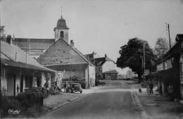 St Germain Les Arlay : Centre Du Village - Frankreich