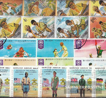 Motives 100 Different Scouts Stamps  In Complete Expenditure - Scouting