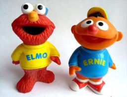 SESAME STREET - JIM HENSON 2 FIGURINES  - FIGURINE ELMO ET ERNIE 1998 KID DIMENSION INC - Figurines