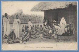 AFRIQUE  -- OUGANDA -- Kisubi - Soin Des Malades Au Dispensaire - Ouganda