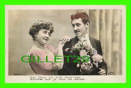 COUPLES - CES FLEURS ONT ORNÉ VOTRE ROBE SOUFFREZ QUE JE VOUS LES DÉROBE - JACK PARIS - - Couples