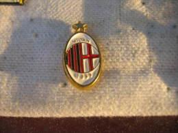 Pin´s Embleme Du MILAN AC 1899. Football - Calcio