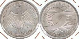 ALEMANIA 10 DEUTSCHE MARK J EMBLEMA 1972 PLATA SILVER D32 - [ 6] 1949-1990 : RDA - Rep. Dem. Alemana
