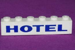 """LEGO Ancien BRIQUE  SERIGRAPHIE  """" HOTEL """" Bleu Sur Fond Blanc  1 X 6 - Lego System"""