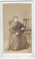 Photographie Ancienne, CDV, Canto (Barcelona, Barcelone, Espagne), Portrait Femme Assise, Mode, Costume, Chaise, Guér... - Photographs