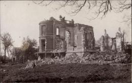 Photo Cp Liévin Pas De Calais, Kriegszerstörungen, Überreste Vom Schloss, I. WK - France