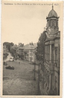 Neufchâteau. La Place De L'Hôtel De Ville Et La Rue De Longlier - Neufchâteau