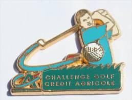 Pin's CREDIT AGRICOLE - Challenge GOLF - Joueur De Golf (mais Quel Swing !) - Zamac - Decat - E162 - Banques