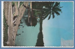 AFRIQUE  -- GABON --  Mouila - Embarcadère Sur La N'gounié - 1950 - 60 - Gabon