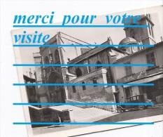 Photo 84 AVIGNON Place De L'église St Saint Agricol ,  Voiture Automobile , Commerce - Automobiles