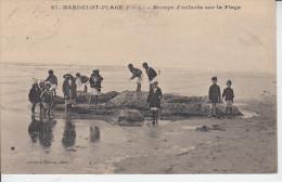 HARDELOT - PLAGE - Groupe D´Enfants Sur La Plage ( Costume De Bain Château De Sable )   PRIX FIXE - France