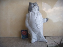Cat-Gentleman. A Series Of People-beasts. Porcelain. Height - 19 Cm. Ukraine. Korosten. - Esculturas