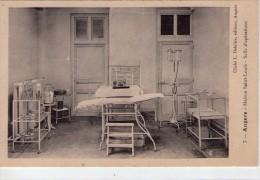 Angers.. La Clinique St-Louis.. La Salle D'Opérations.. Santé - Angers