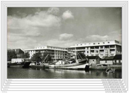 CPSM  LORIENT - Le Bassin à Flot - Lorient