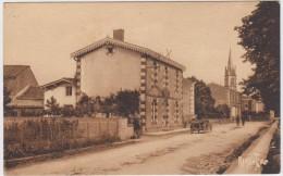Saint-Hilaire-la-Palud. Avenue De La Gare. - Unclassified
