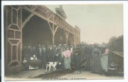 Cayeux Sur Mer -80- La Poissonnerie, Légèrement Colorisée, Très Animée, Chien, 1907, Bel état Voir Les Deux Photos # - Cayeux Sur Mer
