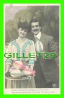 COUPLES - LORSQUE VOUS OUVRIREZ CES OEUFS, À L'INSTANT MÊME VOUS VERREZ... - A & S - ÉCRITE EN 1907 - - Couples