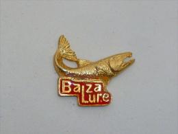 Pin's CLUB DE PECHE DE BAZALURE