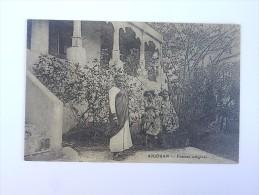 Carte Postale Ancienne : COMORES : ANJOUAN , Femmes Indigènes - Comores
