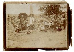 ASIE - UN GROUPE DE PERSONNES A IDENTIFIER - Foto's