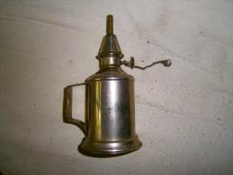 ANCIENNE PETITE LAMPE A PETROLE PIGEON - Lámparas