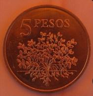 VF MOEDA DA GUINÉ BISSAU 5 PESOS  1977 UNC - Guinea-Bissau