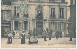 AUXERRE  La Mairie Jour Des Elections  Animée - Auxerre