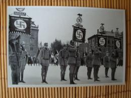 WW II. Deutschland Erwacht Sammelbild Nr. 19, Die Ersten 4 Standarten, München 1923 Auf Dem Marsfeld. - Sonstige