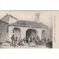 CDBTP5488-LFT3046.Tarjeta Postal DE CORDOBA.Edificios.REPARTO DE COMIDA POR LA IGLESIA.Cordoba - Córdoba