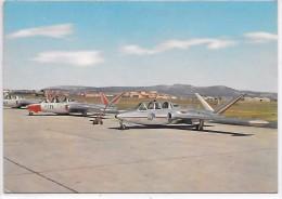 AVION - SALON DE PROVENCE - L'Ecole De L'Air - Terrain Et Parking Des Avions écoles - Aerodrome