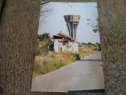 Photo prise � Vukovar(Ex Yougoslavie)-le ch�teau d�eau