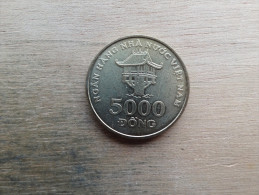 Viet Nam  5000  Dong  2003  Km73 - Viêt-Nam