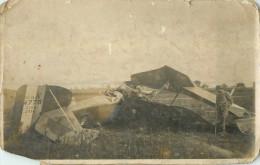 Carte Photo Aviateur  Accident   Militaire  Militaria Aviation  (  Carte Souple ) - 1914-1918: 1ère Guerre