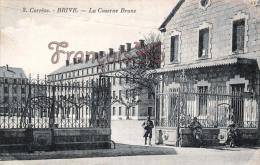 (19) Brive La Gaillarde - La Caserne Brune - Soldats Militaires Militaria - 2 SCANS - Brive La Gaillarde