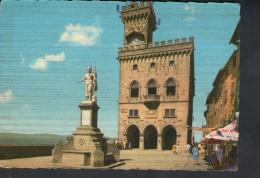 J2855 SAN MARINO - Palazzo Del Governo E Statua Della Liberta ( Statue, Monumento, Monument) - San Marino