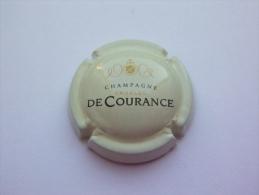 Capsule Plaque De Muselet Champagne Charles De Courance - Blanc Dorée Et Noir - Mercier