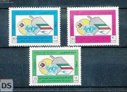 Michel 1043/45 MNH / Neuf / Postfrisch Kuwait  - Flags - Aviation / airplanes -
