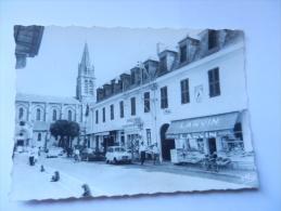 40 SOUSTONS GRANDE RUE RENAULT 4L - Soustons