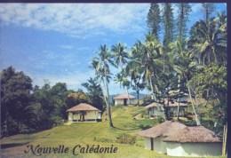 Nouvelle Caledonie - Village Mélanésien Typique Dans La Chaine Centrale - Neuve - - Neukaledonien