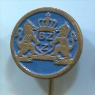 BZZ - Holland  Netherlands, vintage pin  badge