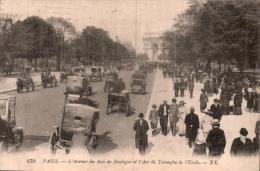 75 PARIS L'AVENUE DU BOIS DE BOULOGNE ET L'ARC DE TRIOMPHE DE L'ETOILE ANIMEE VOITURES ATTELAGES CIRCULEE 1920 - Arc De Triomphe