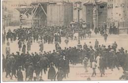 CPA 44 NANTES Manifestations Du 22 Février 1906 - La Gendarmerie à Cheval Dégageant Les Abords De La Cathédrale - Nantes