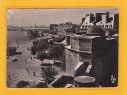 SAINT-MALO - 35 - CPSM Grand Format - SITES HISTORIQUES - LES REMPARTS - LA GRANDE BATTERIE ET LE BASSIN VAUBAN - Saint Malo