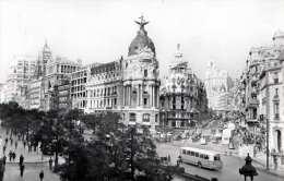 MADRID - EL FENIX ESPANOL - Belebte Strassenansicht, Autobus, Alte Autos, Fotokarte - Madrid