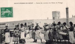 """ST PIERRE DE BOEUF """" Sortie Des Ouvrières De L'usine"""" - Other Municipalities"""