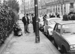 Photo  De Presse - PARIS  9 Bd Emile  AUGIER  , Assassinat  Du Lieutenant  JAMES CHARLES RAY En 1982 - Plaatsen