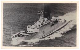 "HMS ""Verulam"" F29 By R A Fisk (Official Photographer, HMS Ganges) Black & White Photographic Postcard, Unused - Oorlog"